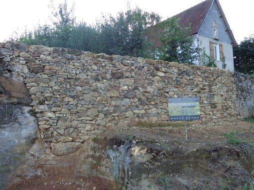 Pierre sèche à Calviac en Périgord